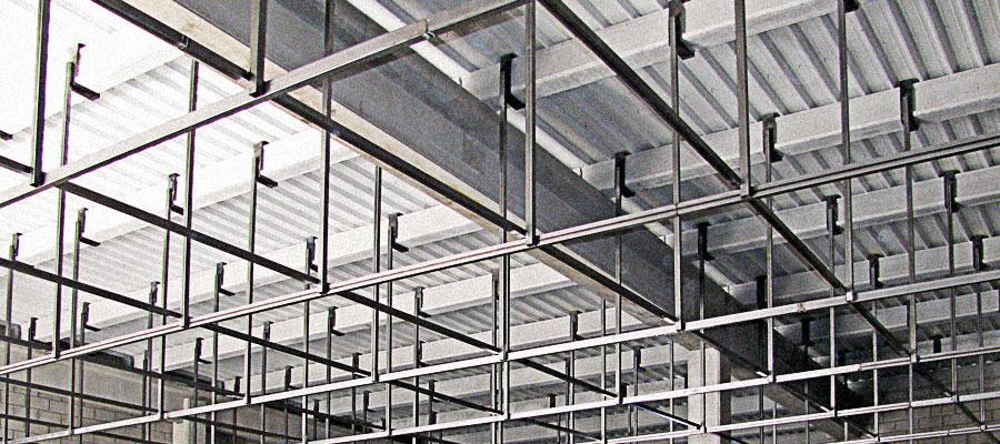 Adecuación de Local en Área Comercial para Implantación de Supermercado. Toledo - Coined
